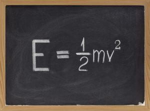formula matematica dell'energia cinetica